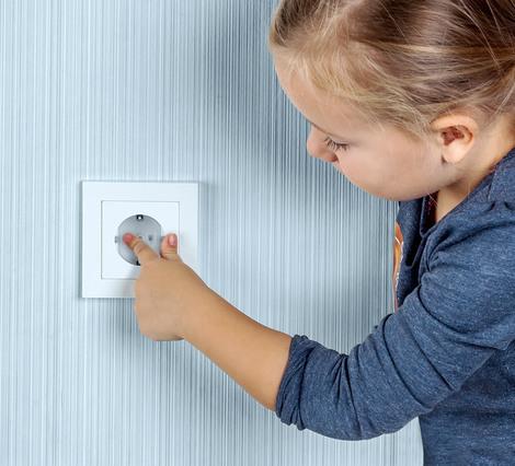 simones k chenblog beitrag macht die k che kindersicher. Black Bedroom Furniture Sets. Home Design Ideas